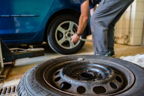 Kvalitní zimní pneumatiky mají lepší vlastnosti než celoroční pneu