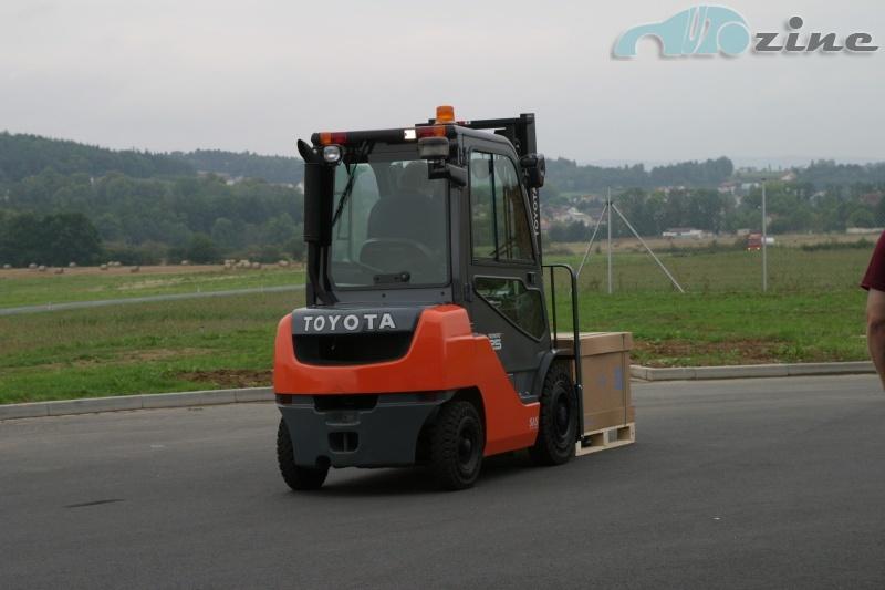 TEST Toyota Tonero 25