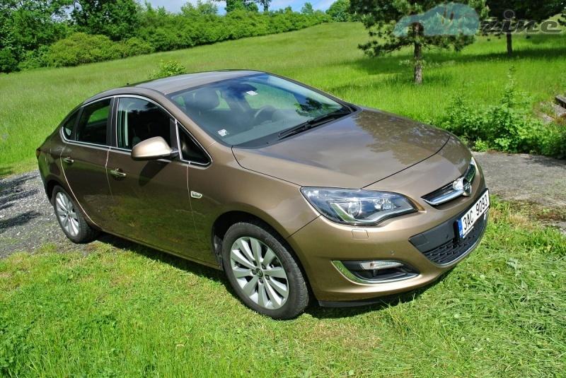 TEST Opel Astra Sedan 1,7 CDTI Cosmo - Rodinný závoďák